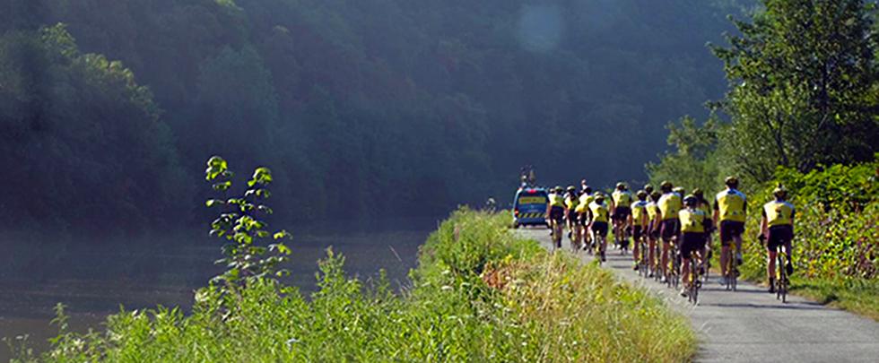 Team Rynkebyn pyöräilijät Belgian maastoissa